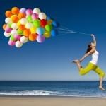 balloons-beach-lady